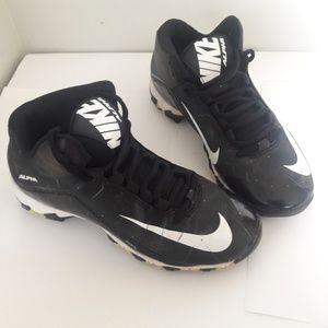 Boys Nike Alpha Baseball Shoes   Youth size 2